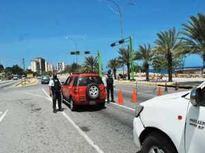 Cierran accesos entre parroquias de La Guaira durante semana radical