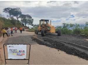 Cuadrillas recuperan puente La Chivata y la carretera trasandina