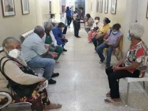 Vacunan con Sputnik V a pacientes crónicos en Trujillo