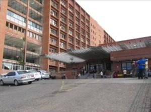 Amplían sala de observación de pacientes covid-19 en Barcelona