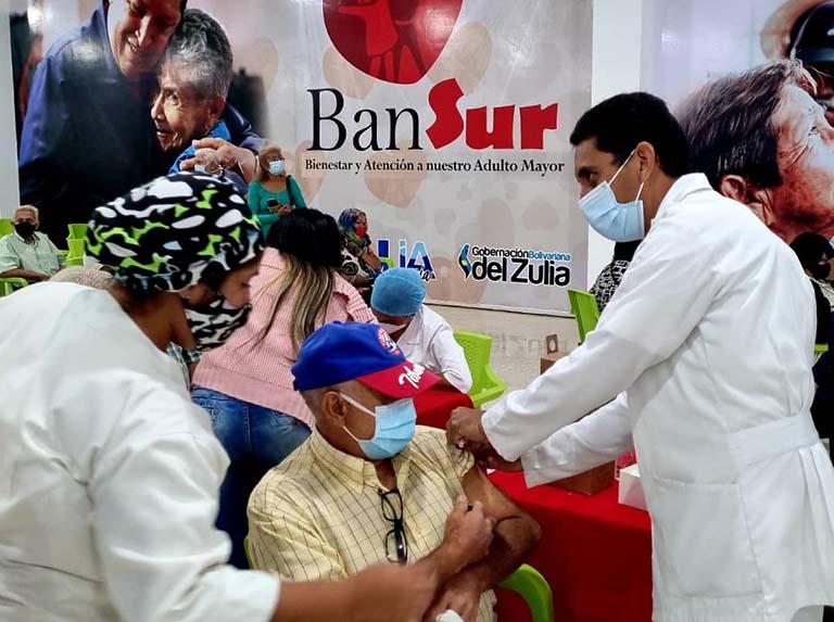 Older adults receive Sputnik V vaccine in Monagas and Zulia
