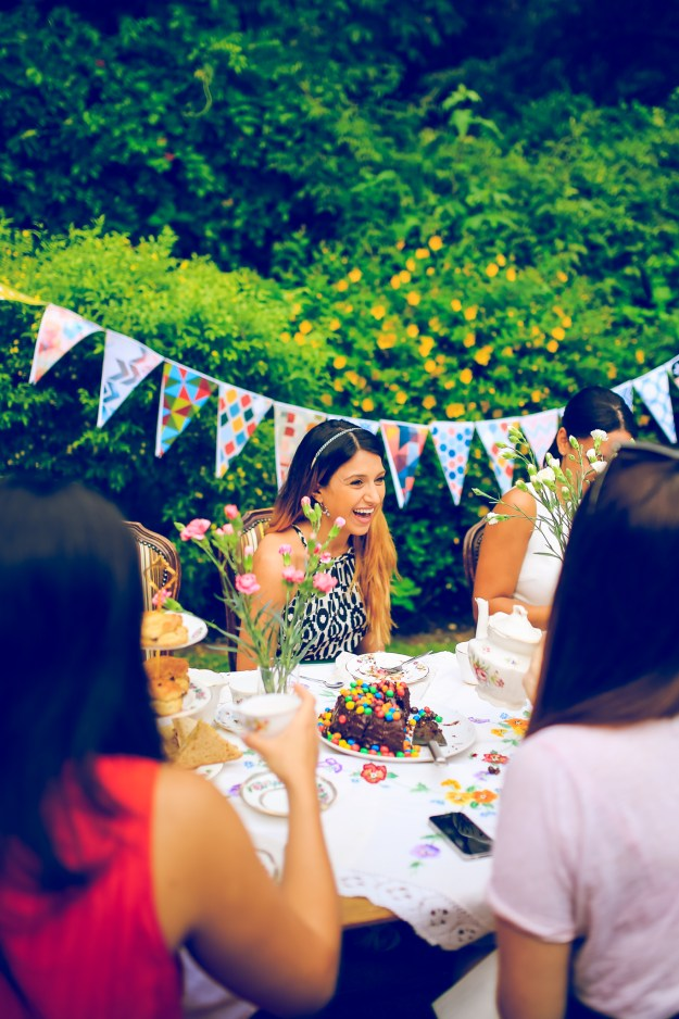 A London Garden Tea Party Shower | Ultimate Bridesmaid | Ronnie and Rose Photography