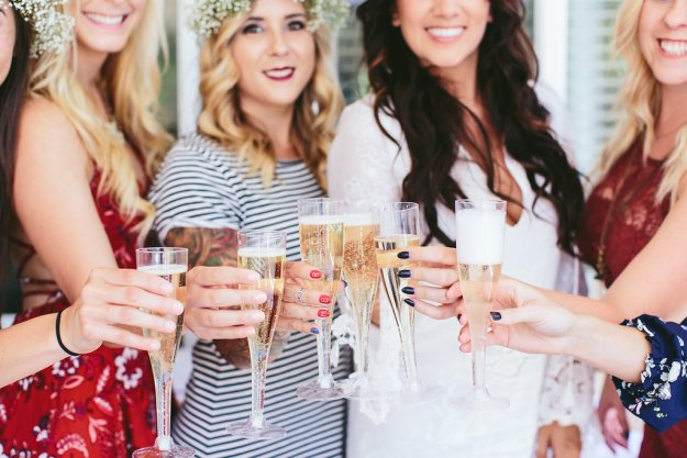 A Flower Crowns & Champagne Backyard Bridal Shower | Ultimate Bridesmaid | Dulcet Creative | Bridesmaid toast