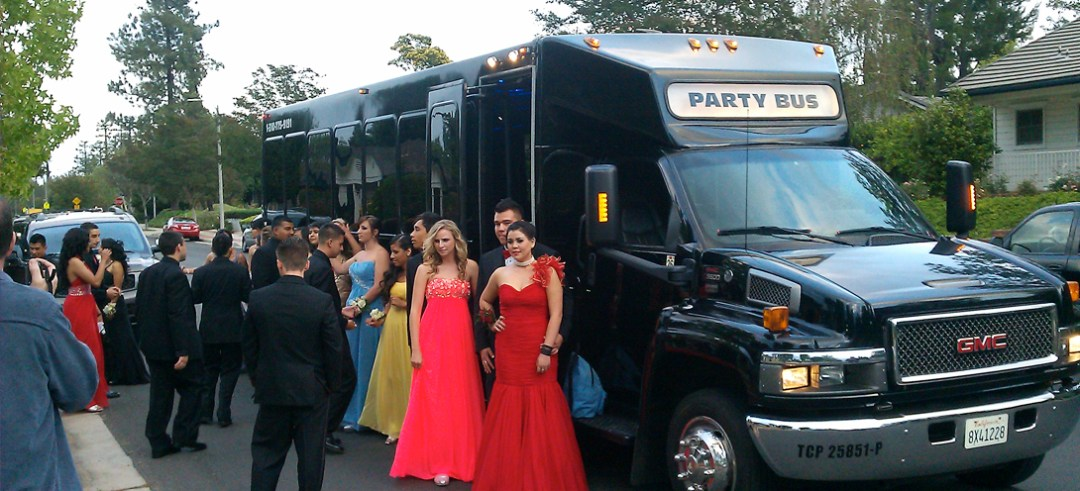 Prom Limo Services / Party Buses