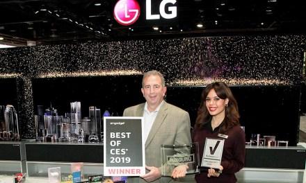 Erster ausrollbarer LG-TV zog auf CES Awards magnetisch an