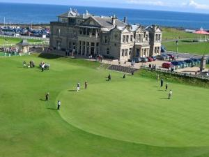 18th-green-at-the-old.jpg_1400199668724_18th-green-at-the-old[1]