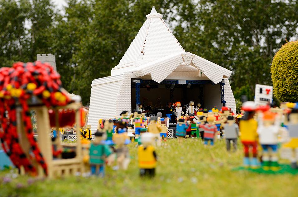 Lego Glasto 9