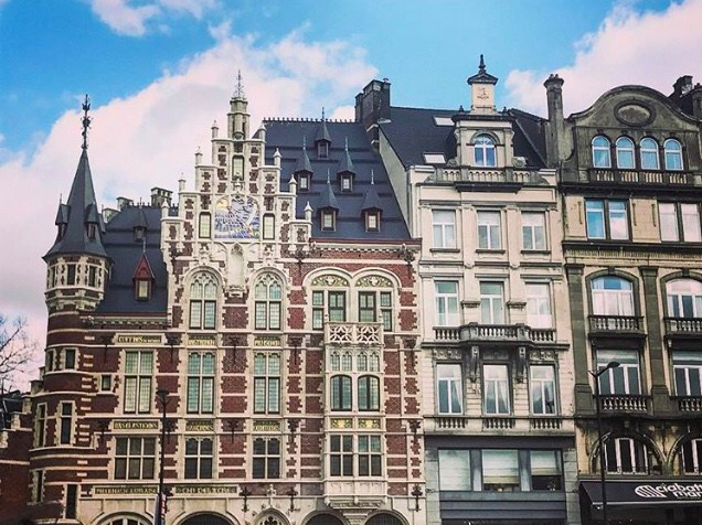 Detalhe dos prédios do Quartier des Arts
