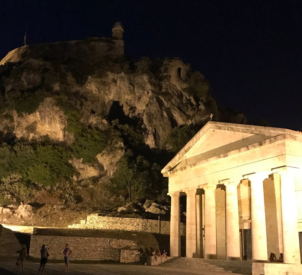 Dentro da antiga fortaleza de Corfu