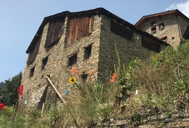As casas no interior de Andorra são todas charmosinhas, de pedra