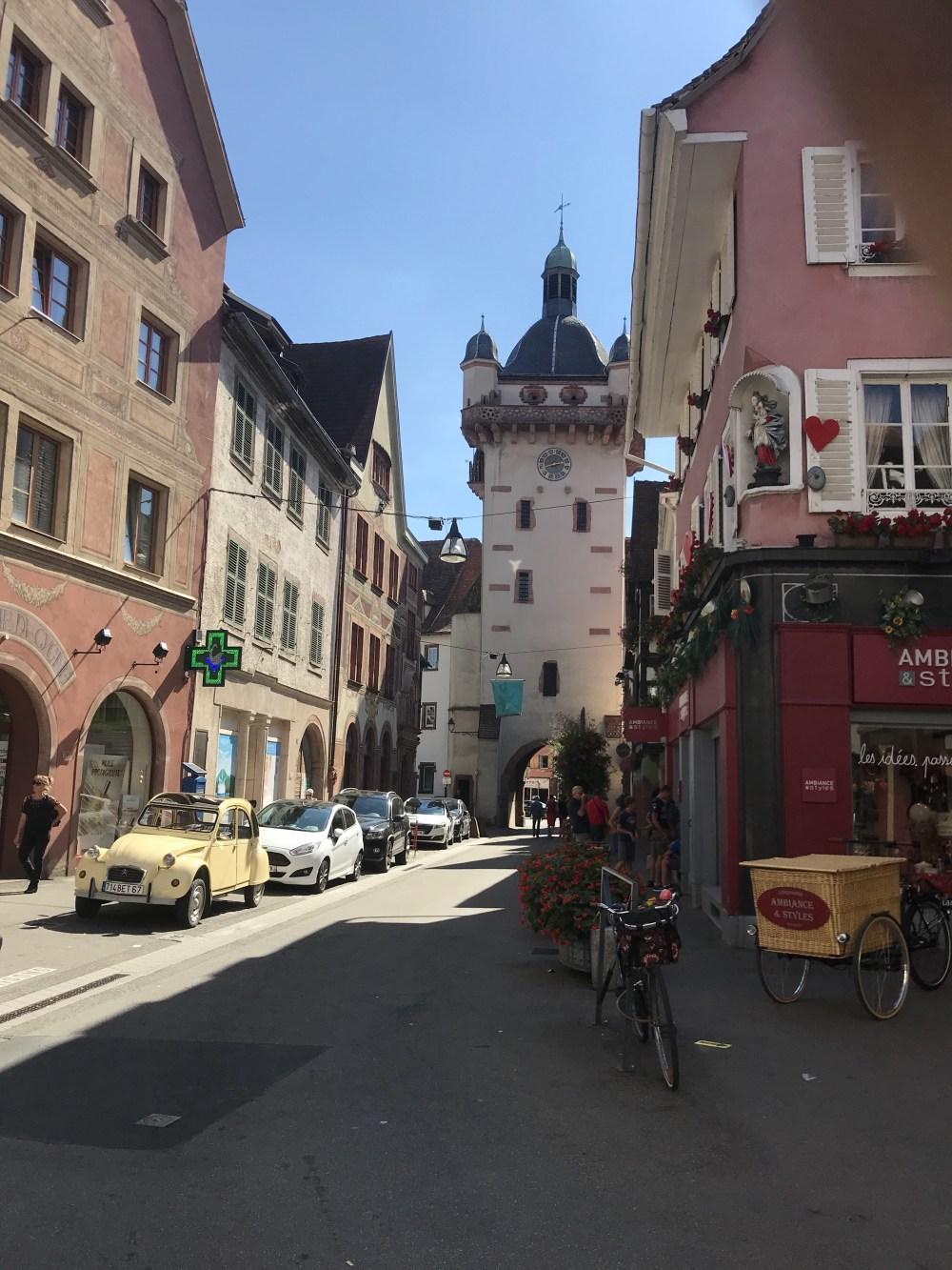 Me diz se essa rua de Sélestat não é um charme!?