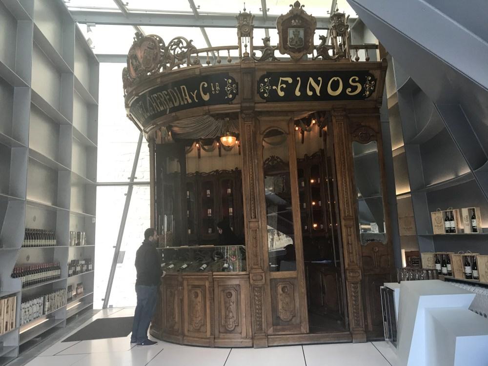 O bar da vinícola Lopez de Heredia, em Haro, Rioja