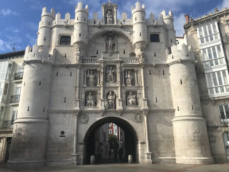 Detalhes da porta da cidade de Burgos