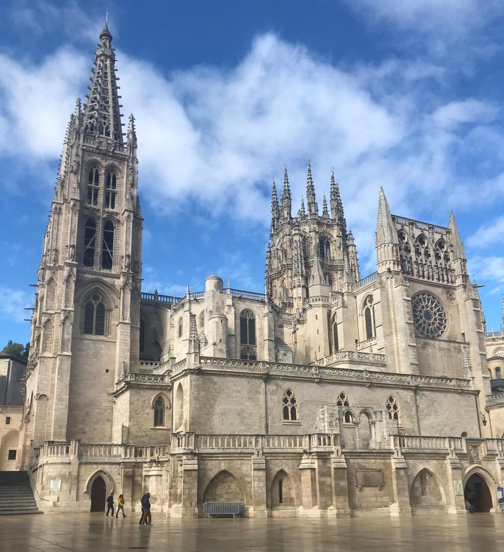 Como é enorme a catedral de Burgos!