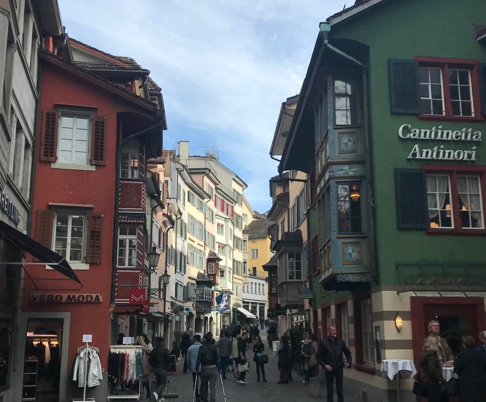 As ruas do centro antigo de Zurique