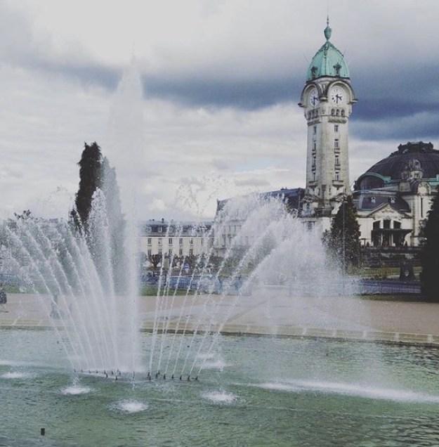 A estação central de Limoges em um dia chuvoso...