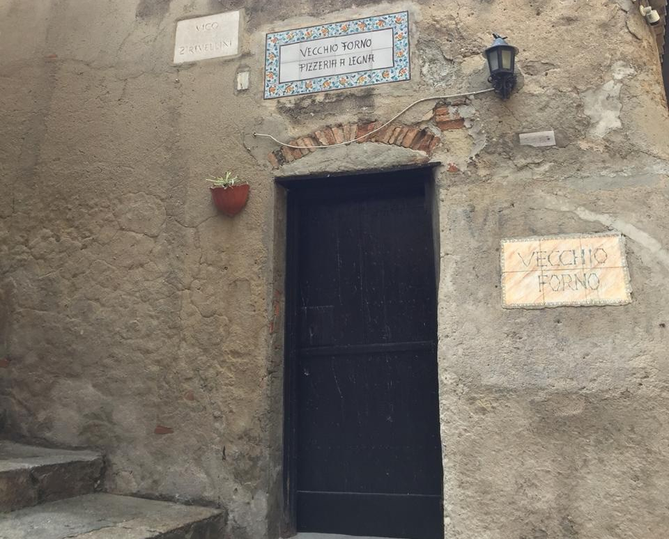 Guarde essa imagem: o Vecchio Forno, de Tropea, é onde você comerá uma das melhores pizzas da sua vida!