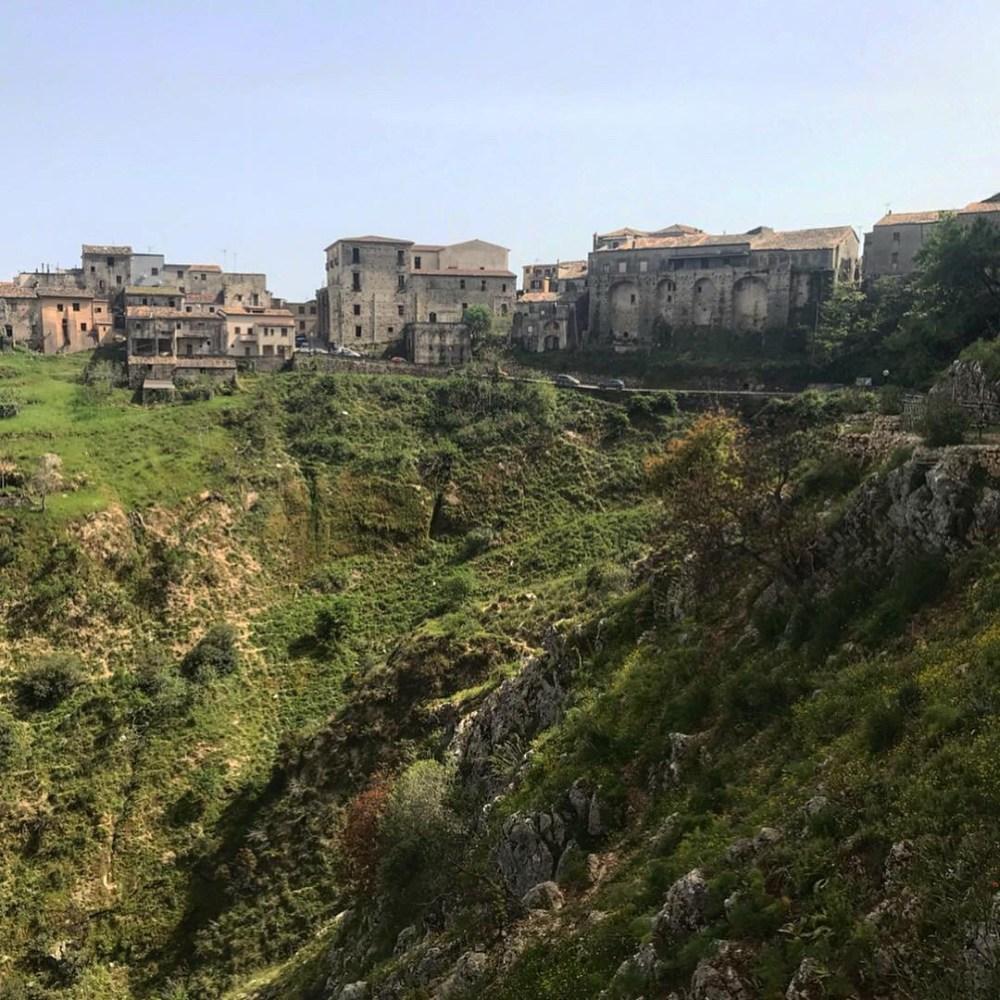 Stilo, na Calábria, vista de uma das colinas