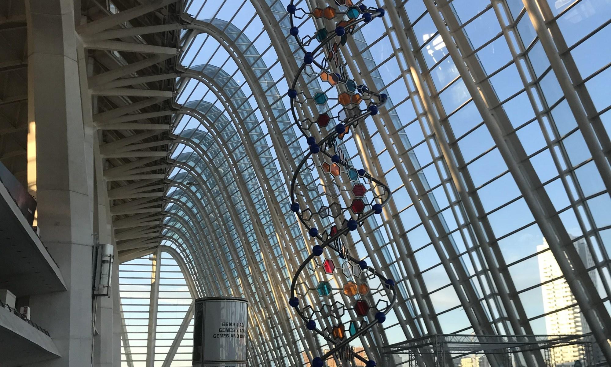 O belo DNA gigante no Museu das Ciências de Valência