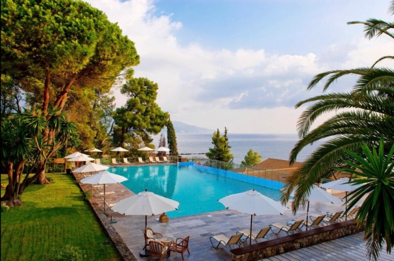 Que tal ficar em Corfu no Kontoali Bay Resort? Foto: Booking