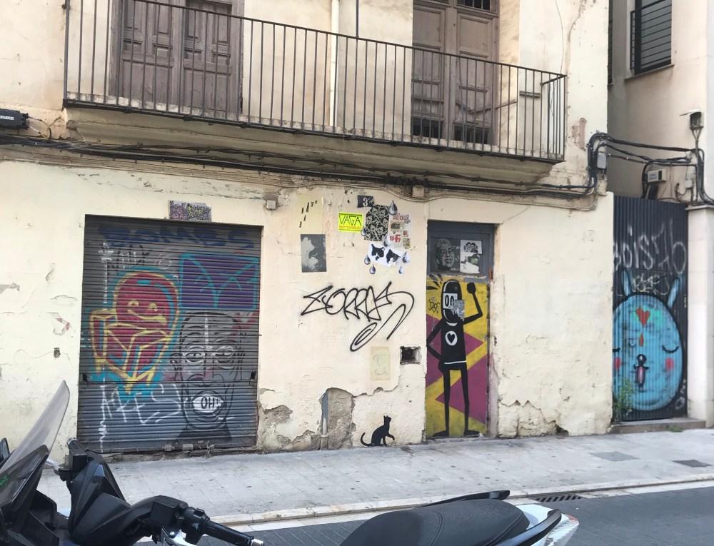 Os ninjas de David del Limón são grafites presentes em toda El Carmen, Valencia