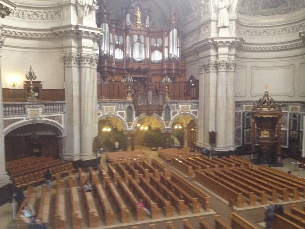Catedral de Berlim tem um órgão sensacional! Pena que as fotos que tenho são antigas e foram feitas com iPhone4
