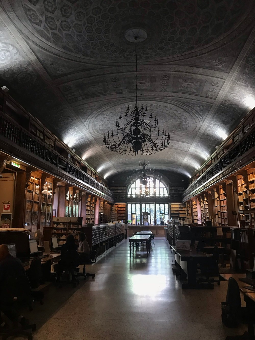 A Biblioteca Nacional é um dos lugares que mais amei desse roteiro de 4 dias em Milão