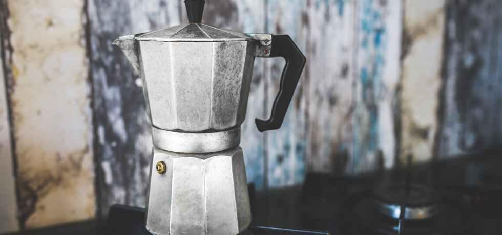 Deixar a cafeteira italiana preparada com essas dicas antes de colocá-la no fogão fará toda diferença no seu moka