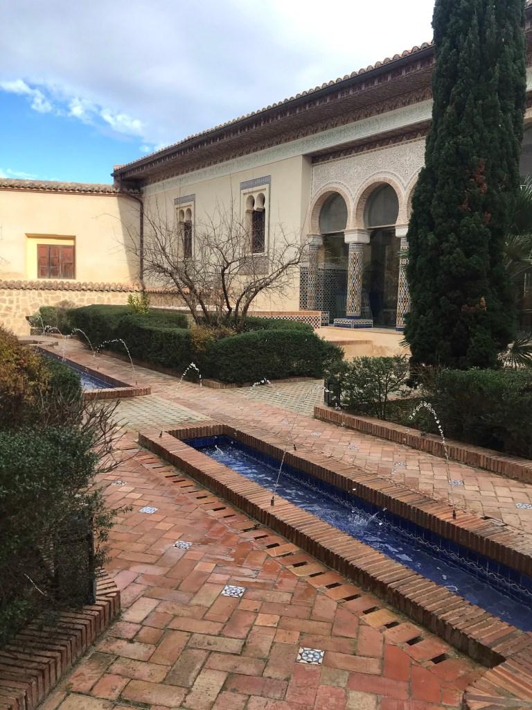 O pátio foi a parte que mais amei do Palácio de los Condes de Cervellón de Anna
