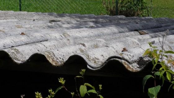 Amianto é usado em telhas mas é considerado cancerígeno