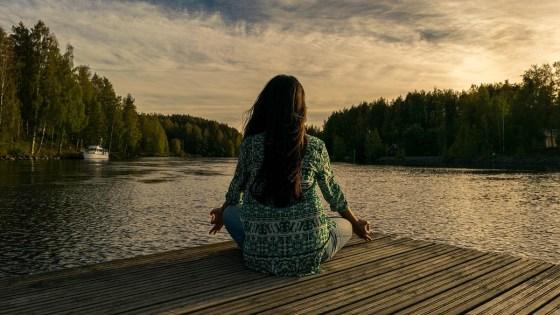 Qualquer pessoa pode realizar a meditação transcendental, que demanda apenas 20 minutos diários dos praticantes