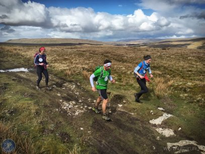 Running at last on the climb towards Blea Moor and checkpoint 9