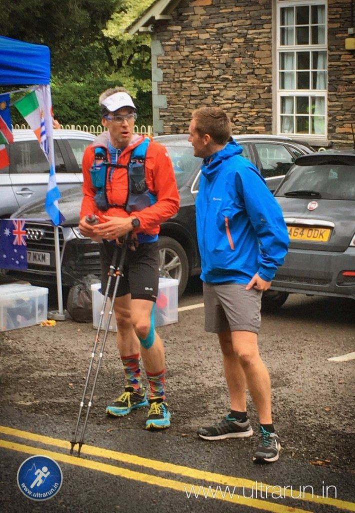 Giles and Andy Haworth chatting at the Ambleside Checkpoint