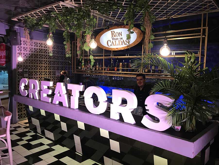 creators 2 uv