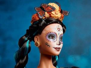 Barbie-Catrina-para-el-Día-de-Muertos-ultravioleta-1