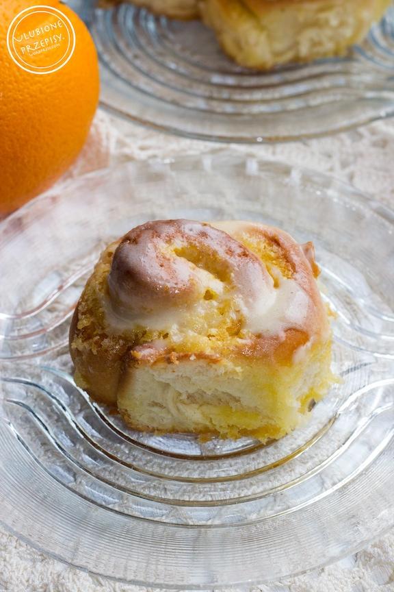 Drożdżowe ślimaczki pomarańczowe