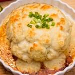 Kalafior z farszem z kurczaka pod sosem beszamelowym