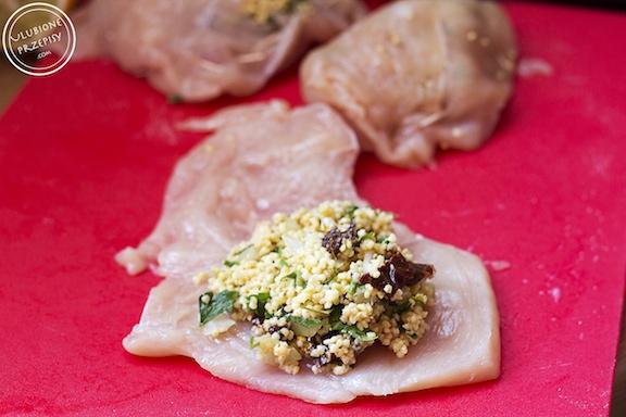 Roladki z piersi z kurczaka faszerowane kaszą jaglaną