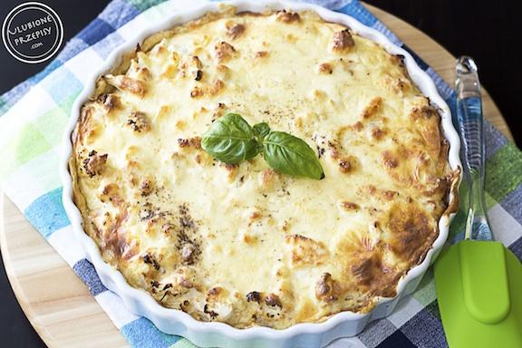 Tarta z pieczonym kalafiorem, karmelizowaną cebulą i mascarpone