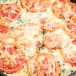 Zapiekane risotto ze szpinakiem i suszonymi pomidorami