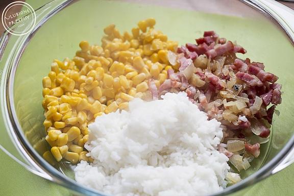 Ryż zapiekany z wędzonym boczkiem