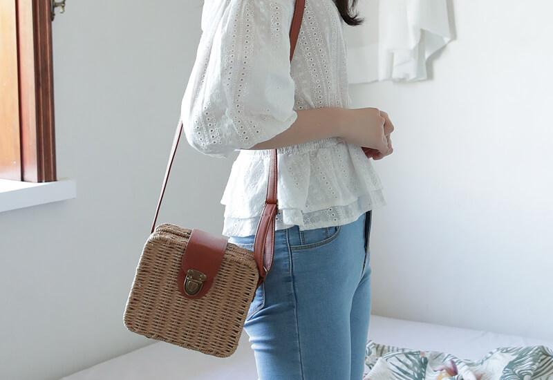 韓国ファッション通販 NAIN(ナイン)バックルラタンスクエアバックパック