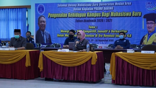 academic-presentation-by-vice-chancellor-academic-field-uma-at-pkkmb-2020.JPG