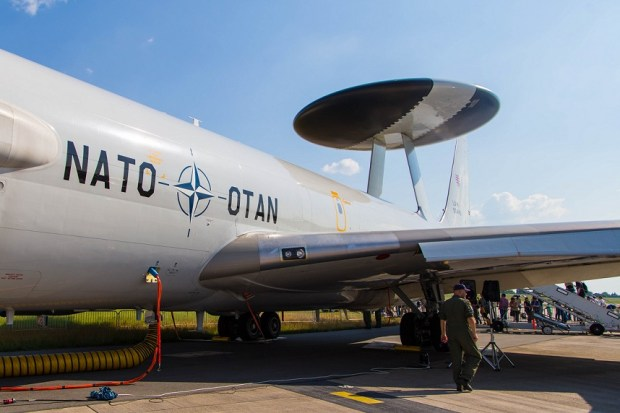 En el nuevo milenio la OTAN afronta nuevos desafíos. Foto: photo credit: kevin.hackert ILA 2016: NATO OTAN Boing E3B Sentry (LX-N90443) via photopin (license)