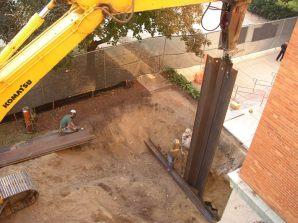 September 2004 - Sheet pile installation