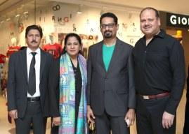 mansoor bajwa with dur-i-shehwar,kay zee and ken marshall_1024x731