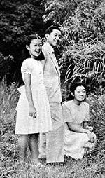 子供のころの今上陛下と池田厚子さん