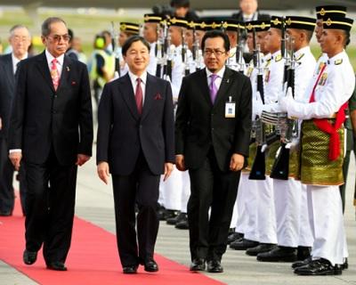 マレーシアクアラルンプールに到着した皇太子さま