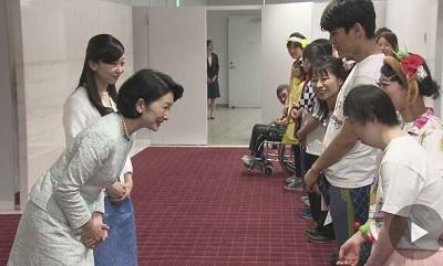 紀子さまと佳子さま 障害者ダンス大会に出席