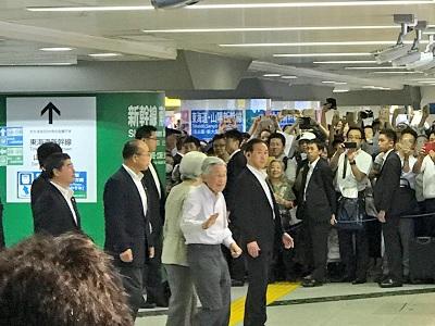 天皇皇后IN東京駅